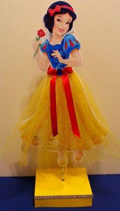 Disney Princess Inspired Centerpieces Jasmine by PishPoshPartique Party Princess Theme Party, Disney Princess Birthday, Baby Shower Princess, Princess Birthday Centerpieces, Snow White Centerpiece, Snow White Birthday, Prince Party, Party Themes, Party Ideas