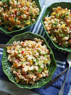Sommerens fargerike pastasalat - Mat På Bordet