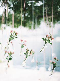 roses in wedding decor