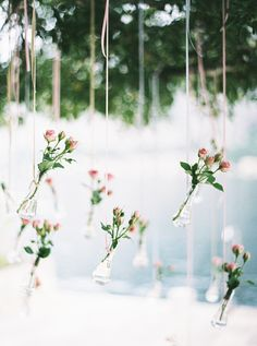 roses in wedding decor