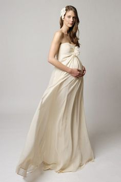 There's nothing off about off-white in this Champagne-coloured maternity wedding dress called Elissa (also by Mak).