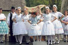Pünkösdi élő hagyományok, népszokások –  Pünkösdkirálynő járás,termékenység- varázslással kapcsolatos énekeket énekelnek. Girls Dresses, Flower Girl Dresses, Bridesmaid Dresses, Wedding Dresses, Folk, Fashion, Dresses Of Girls, Bridesmade Dresses, Bride Dresses