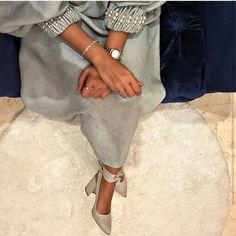 Iranian Women Fashion, Islamic Fashion, Muslim Fashion, Modest Fashion, Fashion Dresses, Mode Abaya, Mode Hijab, Sleeves Designs For Dresses, Hijab Style