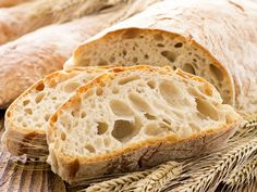 Facts about Ciabatta talk about one of the delicious foods from Italy. Ciabatta is white bread from Italy. A baker in Adria, Veneto, Italy created Ciabatta in Bread Bun, Bread Rolls, Easy Bread, Bread Toast, Rye Bread, Bread Cake, Dessert Bread, Pan Focaccia, Bread Maker Recipes