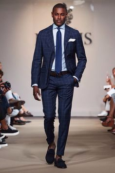 Morris Heritage unveiled its Spring/Summer 2016 collection during Stockholm Fashion Week. Dapper Gentleman, Gentleman Style, Mens Fashion Blog, Fashion Trends, Male Fashion, Fashion Hats, Fashion Women, Stockholm Fashion Week, Outfits Hombre