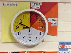 I think this would really help to keep a class on schedule and be easy to keep track of. Montessori Classroom, School Classroom, Teaching Time, Teaching Math, Classroom Organisation, Classroom Management, French Classroom Decor, Math Clock, Math Measurement
