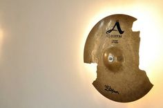 Broken Cymbal Lamp By Leonardo Criolani - http://www.luxuryhomeinteriordesigns.com/others/broken-cymbal-lamp-by-leonardo-criolani/