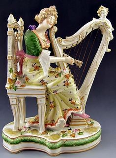 Antique German Sitzendorf Voigt Bros Porcelain Figurine Lady at the Harp, Late 19th century