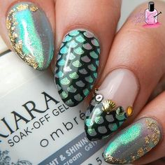 These mermaid nails are too glam @nailedthepolish! Head to royalbrush.com to purchase your nail art brushes to recreate this look today. #royallangnickel #mermaid #nails  Products Used: @kiaraskynails Knight & Shining Armor  @crystal_nails_official crystal effect glitter