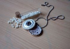 Bottle Cap Locket  •  Free tutorial with pictures on how to make a bottle cap pendant in under 30 minutes