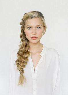 La tresse coiffée-décoiffée - Coiffure: 14 tresses à copier sans hésiter