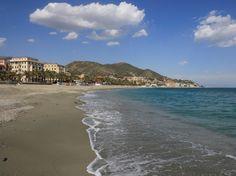 Liguria, il mare accessibile per tutti Sono 63 in tutta la Liguria le spiagge e gli stabilimenti balneari disabled friendly. A disposizione la GuidaMare 2016