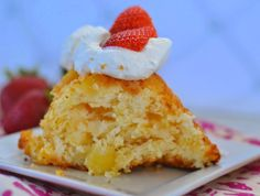 2 Ingredient Pineapple Angel Food Cake #Recipe.  2 ingredient angel food cake, easy cake, weight watchers angel food cake recipe, weight watchers desserts recipes