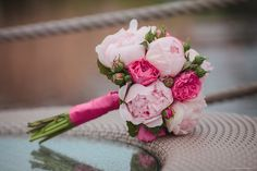 Wedding bouquets are something infinitely singular and personal, each of them reflects like a magic mirror the personality of its owner. Munich, Magic Mirror, Wedding Gallery, Tulips, Wedding Bouquets, Portrait, Real Weddings, Reflection, Delicate
