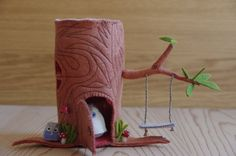 Felt Stump House with Owls - what a cute little tree house, perfect for fairies!
