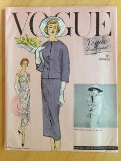 Vogue Paris Original Jean Desses 1371 by LeadingLadyVintage 1950s Dress Patterns, Vintage Vogue Patterns, Clothing Patterns, Vogue Paris, Vintage Outfits, Vintage Fashion, Classic Fashion, Vogue Magazine Covers, Straight Jacket