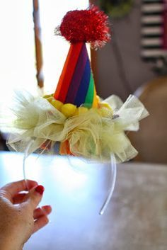 The world& most adorable clown costume EVER! Here is a step by step instructions on how to make this clown tutu costume. Ballerina Party Decorations, Ballerina Birthday Parties, Carnival Birthday Parties, Circus Birthday, Circus Theme, Circus Party, Birthday Diy, Clown Party, Decoration Cirque
