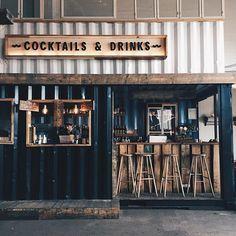 Rustic bar design Copenhagen Street Food, a hipster food court Rustic Coffee Shop, Coffee Shop Design, Coffee Shops, Coffee Cafe, Rustic Cafe, Hipster Coffee Shop, Street Coffee, Vintage Coffee, Café Bar