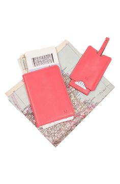 How cute is this matching passport case and luggage tag? A vibrant pink and monogrammed initial will certainly make the sophisticated traveler standout in style.