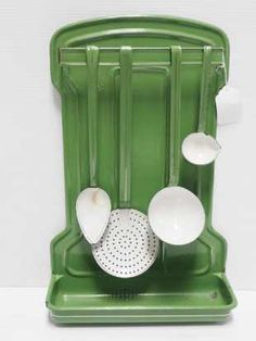 Chupp's Winter Antique Auction -Day 2 Prices - 772 Auction Price Results - Chupp Auctions & Real Estate, LLC in IN Green granite kitchenware set Kitchenware Set, Vintage Kitchenware, Vintage Dishes, Tableware, Kitchen Utensils, Kitchen Gadgets, Kitchen Items, Kitchen Stuff, Homemade Furniture