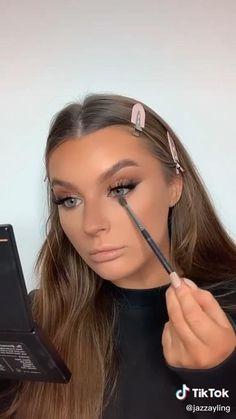Bronze Makeup Look, Glam Makeup Look, Glamour Makeup, Makeup Eye Looks, Pretty Makeup, Skin Makeup, Makeup Tutorial Eyeliner, Makeup Looks Tutorial, Wedding Makeup Tutorial
