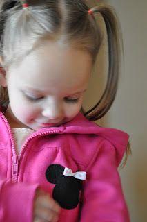 The Little Fabric Blog: Minnie Mouse Applique Tutorial