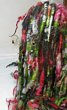 Handspun Art Yarn Corespun Sheeping Beauties 'Mirror Mirror'