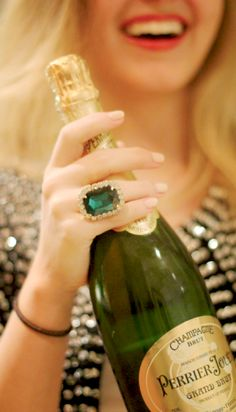 *°•`~Merry Christmas Darling*°•`~  - Perrier-Jouet J'aime C'est Noël - Cheers ! #LadyLuxuryDesigns