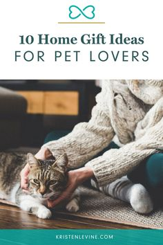 Are you searching high and low for that perfect gift for the cat lover or dog lover on your list? Here are my 10 favorite gifts for pet parents. Repin to share with other pet lovers! #giftideas #giftsforcatlovers #petlovergifts #giftsforcatparents #giftsforcatpeople