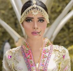 Pakistani Jewelry, Punjabi Suits, Bridal Makeup, Indian Fashion, Makeup Looks, Classic, Hair, Jewellery, Accessories