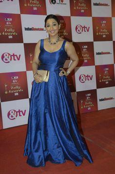 Shruti Ulfat at the Indian Telly Awards Karan Patel, Sonarika Bhadoria, Indian Photoshoot, Hindi Actress, Satin Gown, Bollywood Fashion, Body Types, Indian Beauty, Indian Actresses