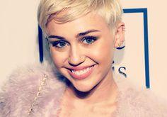 18 vezes que Miley Cyrus salvou o tapete vermelho da mesmice