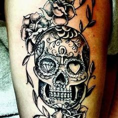 black and white sugar skull girl tattoo Sugar Skull Mädchen, Sugar Skull Girl Tattoo, Mexican Skull Tattoos, Mexican Skulls, Tattoos For Guys, Tattoos For Women, Skull Tattoo Flowers, Sunflower Tattoo Shoulder, Totenkopf Tattoos