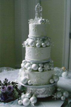 103 Fabulous Winter Wedding Cakes | http://HappyWedd.com