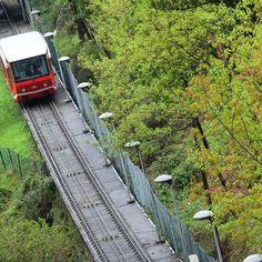 El Funi Funicular de Artxanda Bilbao #mendikleta #estaes_paisvasco #euskadigrafias #turismo_euskadi #igersbilbao #total_euskadi #salimoshoy #loves_euskadi #verybilbao #bilbosoul #bilbaoclick #bilbaolovers #funicular #artxanda #bilbao by mendikleta