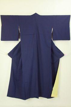 Navy komon, cream color hakkake / 紺色 クリーム色八掛け地の小紋   #Kimono #Japan http://global.rakuten.com/en/store/aiyama/