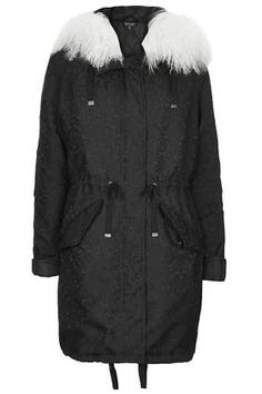 A little femininity mixed with a little tomboy = the perfect Winter coat #currentlyobsessed #fashion