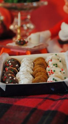 Mini Elf Donuts ~ Actually, They're Cheerios Dipped in Chocolate with Sprinkles, Powdered Sugar, Cinnamon Sugar, and White Chocolate with Sprinkles. You Can Store Them in an Altoids Box or a Pill Box. This is The Cutest Thing Ever!