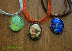 Awesome tutorial on creating oval necklaces. Uses images from here: http://etsy.me/tYzOFA