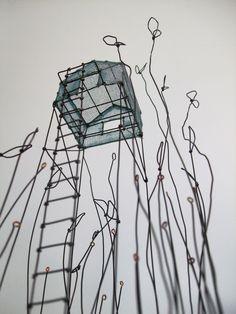 """de Fer est mon Fil - sculpture sous globe """"Dans les herbes folles"""" - Isabelle Bonte"""