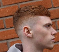There are so many new hair trends for guys this year including fresh looks, updated classics and even some old favorites. What's old is new again and vice versa. There are new men's hairstyles that Mens Hairstyles 2018, Popular Short Hairstyles, Cool Hairstyles For Men, Popular Haircuts, Haircuts For Men, Men's Hairstyles, Men's Haircuts, Long Hair On Top, New Hair Trends