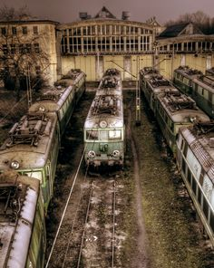 Rusty old trains.    Gloria Longoria via Gloria Longoria onto Trains, Depots and All Else I Find About Trains
