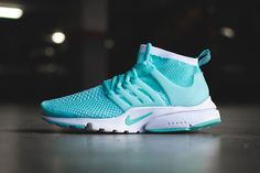The Nike Air Presto Flyknit has become a icon, watch out for fakes when shopping online, get a 26 point step-by-step guide from the goVerify App Womens Fashion Sneakers, Fashion Shoes, Women's Fashion, Air Presto Flyknit, Nike Shoes, Adidas Sneakers, Sock Dart, Nike Presto, Sneaker Magazine