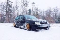 Golf MKIV in the snow