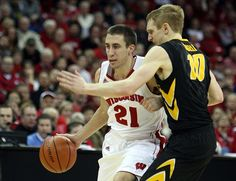 Iowa Hawkeyes vs. Wisconsin Badgers Pick-Odds-Prediction 2/22/14: Mitch's Free College Basketball Pick Against the Spread