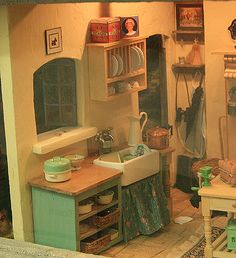 Photos of Roomboxes from the Fall 2010 Seattle Dollhouse Miniature Show: Glimpses of a World Outside