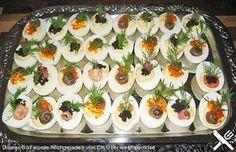 Gefüllte Eier - Allison Pin World Appetizer Buffet, Appetizer Sandwiches, Brunch Buffet, Meat Appetizers, Party Buffet, Appetizers For Party, Appetizer Recipes, Snack Recipes, Drink Recipes