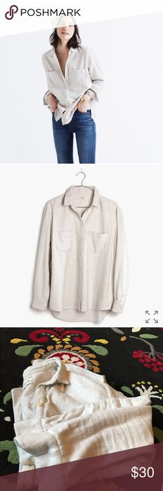 Madewell Flannel Oversized Boyshirt in White Super soft- no visible pilling. One stain inside collar- not visible when wearing. Pockets!! ❤ slightly oversized fit Madewell Tops Button Down Shirts