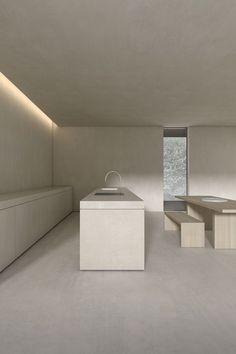 Interior Minimalista, High Walls, Furniture Placement, Open Plan Kitchen, Strip Lighting, Indirect Lighting, Minimalist Home, Interior Design Kitchen, Interior Architecture