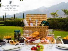 1 October 2017 to 30 April Grande Provence Heritage Wine Estate, Franschhoek Make the most of summer in the Franschhoek winelands with a rustic picnic in true French style under majestic oaks Picnic Menu, Picnic Spot, Summer Picnic, Farmhouse Picnic Baskets, Brie, South African Wine, White Strawberry, Garden Picnic, Salted Caramel Brownies